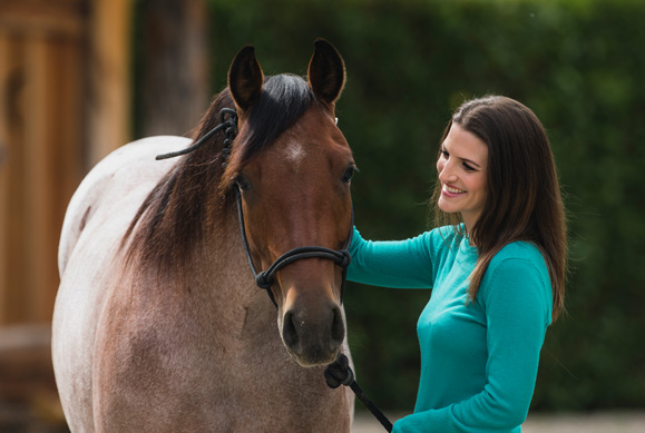 Platinum advisor Alyssa with horse